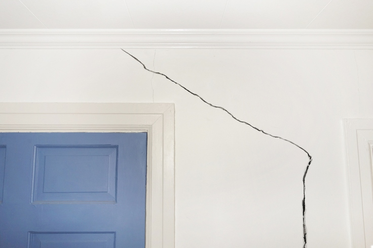 guide-to-subsidence-crack-door